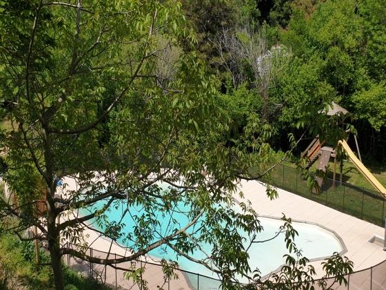 A saisir ! Roussillon, camping vert